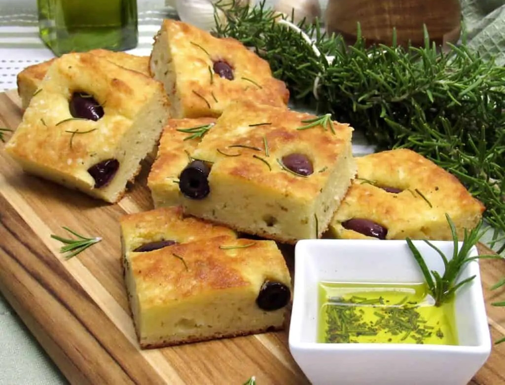 ROSEMARY AND KALAMATA OLIVE FOCACCIA